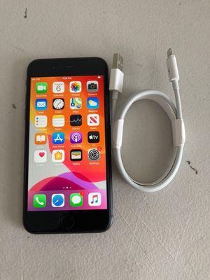 iPhone 8 64GB Unlocked for Sale in Hemet, CA