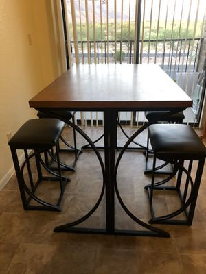 5 piece wooden table for Sale in Tucson, AZ