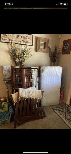 Crib/mattress for Sale in Hemet, CA