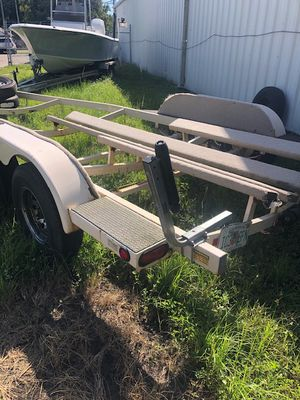Used tandem boat Trailer fits 19 to 21' boat. Used tandem boat trailer - 650.00 - boat trailer used for sale - As is- used boat trailer for Sale in Plant City, FL