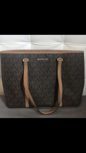 MICHAEL KORS TOTE PURSE for Sale in Oakland Park, FL