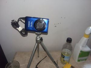 Canon power shot camera with tri pod for Sale in Parkersburg, WV
