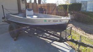 Crestliner 12 ft boat for Sale in Sacramento, CA