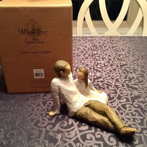 REDUCED~New Willow Tree Father and Daughter Figurine for Sale in Newburgh, IN