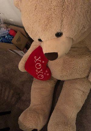 6 foot Giant Teddy Bear for Sale in Las Vegas, NV