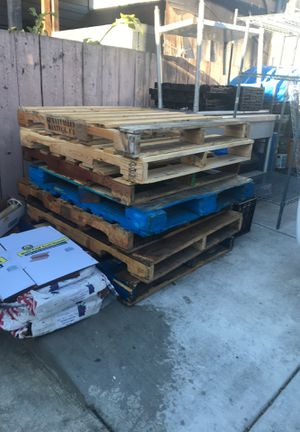 Wood pallets for free for Sale in Hayward, CA