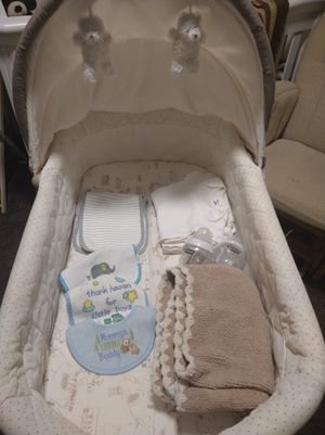 Baby bassinet for Sale in Cleveland, OH