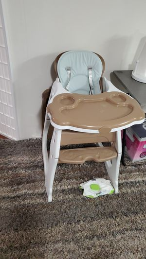 Highchair for Sale in Phillips Ranch, CA