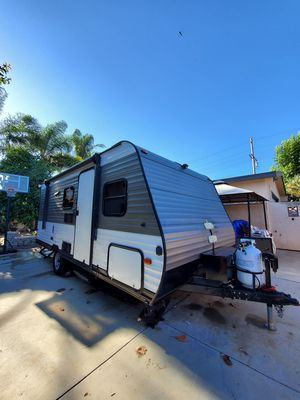 Custom Travel Trailer gully loaded self sustained solar lithium batter for Sale in Vista, CA