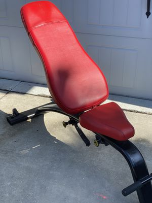 CYBEX COMMERCIAL ADJUSTABLE WEIGHT BENCH for Sale in Wesley Chapel, FL