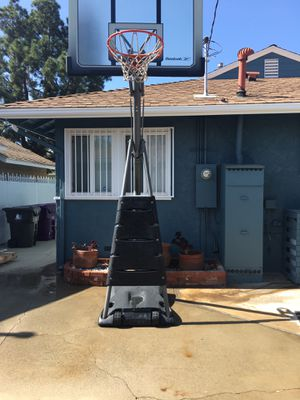 Reebok Lifetime Portable Basketball Goal for Sale in Long Beach, CA