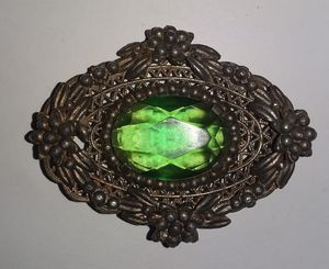 Antique Brooch for Sale in Ottumwa, IA