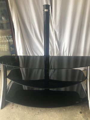 TV stand/ table for Sale in San Diego, CA