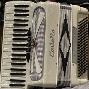 Contello Accordion for Sale in Happy Valley, OR