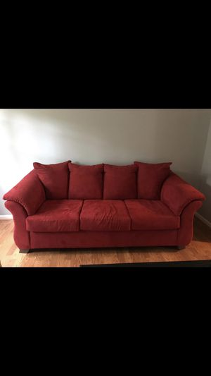 Great condition red couch ! for Sale in Burke, VA