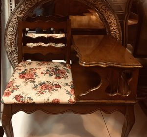 Antique 1800's - 1900 Mahogany Gossip Bench. for Sale in Tampa, FL