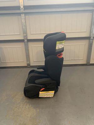 Booster seat two in one for Sale in Wheaton, MD