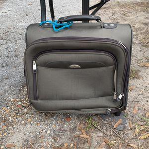 Samsonite Suitcase for Sale in St. Petersburg, FL
