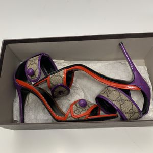 Gucci GG Supreme Sandals for Sale in Miami, FL