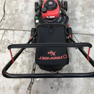 Troy Bilt /Honda Lawn Mower Great Condition for Sale in San Jose, CA