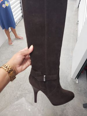 Size 7 Suede Boots for Sale in Lake Worth, FL