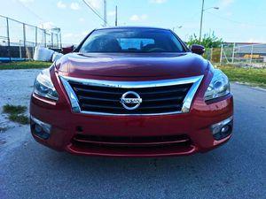 Nissan. Altima. 2013. for Sale in Miami, FL