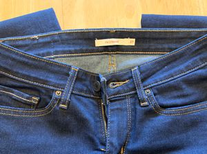 Levi's Women's 714 Straight jeans for Sale in Katy, TX