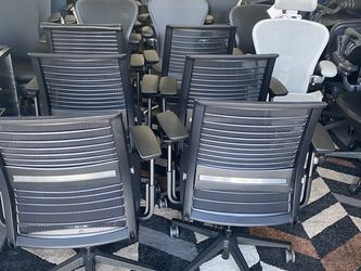 LIKE NEW STEELCASE THINK V2 FULLY LOADED CHAIRS WITH LUMBAR SUPPORT PAD $199 EACH 6 AVAILABLE AS CONFORTABLE AS HERMAN MILLER AERON CHAIRS for Sale in Huntington Park,  CA