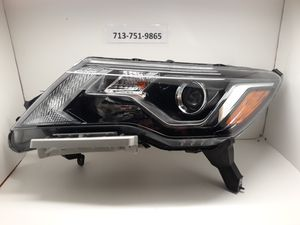 2017-2018 Nissan Pathfinder left headlight for Sale in Houston, TX