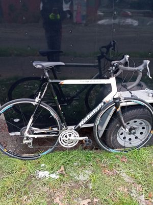 2004 RALEIGH COMPETITION 700C Road Bike 56cm for Sale in Wenatchee, WA