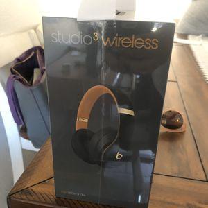 Beats Studio 3 Skyline Collection Midnight Black for Sale in Visalia, CA
