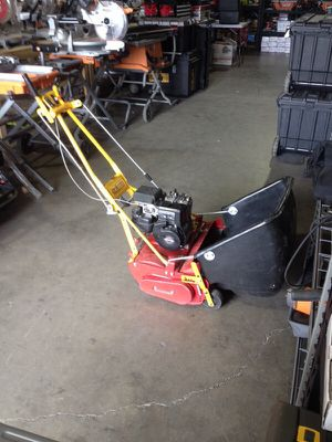 McLane 20 inch cut path real mower for Sale in Phoenix, AZ