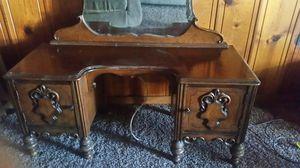 Antique dresser for Sale in Madera, CA