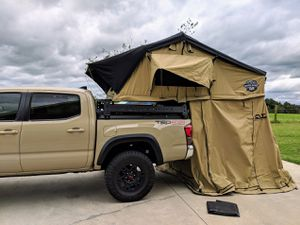 CVT Mt Shasta Summit Rooftop Tent for Sale in Gig Harbor, WA