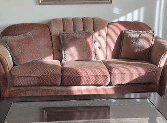 Classic Couch Set for Sale in Downers Grove,  IL