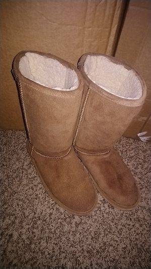 Youth Girls Bearpaw boots for Sale in Columbia, MO