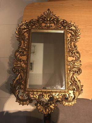 Small Wall Mirror Ornate Gold for Sale in Oakland Park, FL