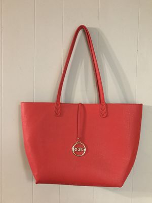 """BCBG Paris red shoulder bag tote hand bag purse . Black interior like new 12"""" x 18"""" not counting straps for Sale in North Fort Myers, FL"""