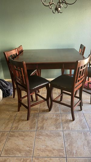 Table 6 chairs for Sale in Moreno Valley, CA