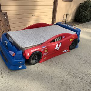 Race Car Bed With New Mattress for Sale in Visalia, CA