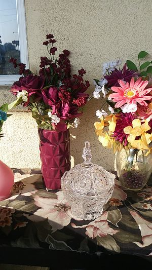 Crystal candy dish and floral arrangements for Sale in Fresno, CA