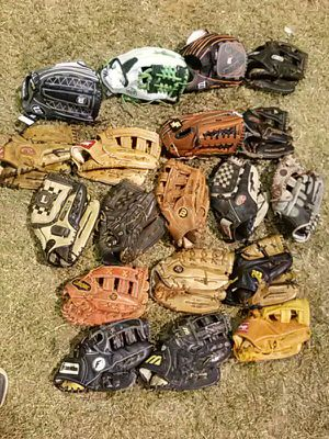 "12.5"" softball baseball gloves for Sale in Houston, TX"