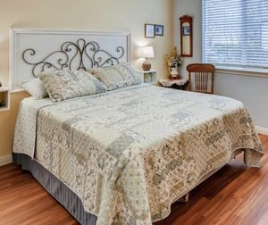 Queen bed mattress with box spring and bed frame for Sale in Georgetown, TX