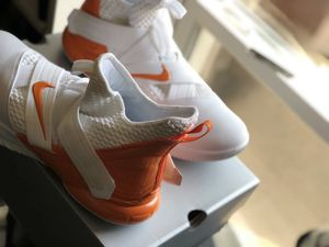 Nike LeBron Zoom Soldier 12s Men's White/Orange for Sale in Temple Hills, MD