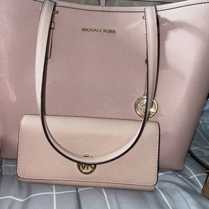 Baby Pink Micheal Kors Tote Bag With Matching Wallet for Sale in Tacoma, WA