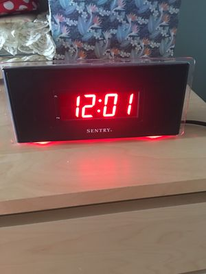 Sentry AM/FM alarm clock for Sale in Queens, NY