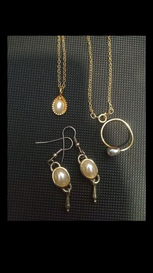 ViNtaGe PearL JeWeLRy SeT for Sale in Bountiful, UT