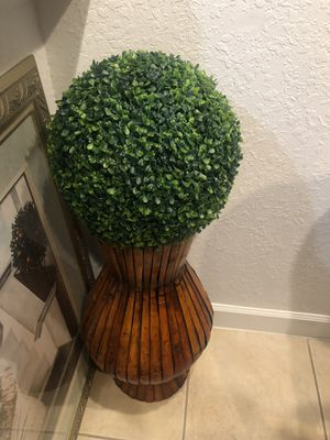 Floor vase with accent flower ball for Sale in Tamarac, FL