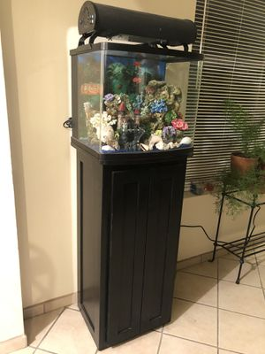 Fish tank salt water everything for $550. for Sale in Albuquerque, NM