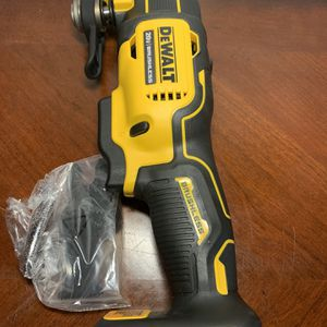 Dewalt 20 v brushless oscillating multi-tool for Sale in San Diego, CA